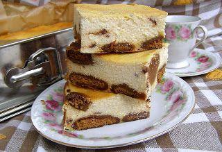 W Mojej Kuchni Lubię.. : sernik z marcepanem na pierniczkach pieczony...