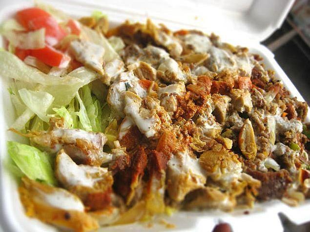Pollo con arroz halal.