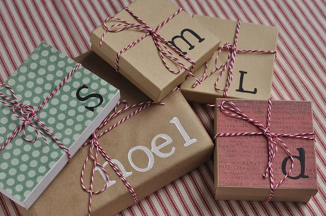 gift wrapping diy - yourhomebasedmom, via Flickr