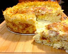 Quiche with a Hash Brown Crust. I so wish someone would make me this for breakfast right now.