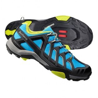 The Shimano SH-MT34 is the ideal general use SPD cycling shoe. The classic lace up closure makes it feel like you could be heading out for a hike, and with the EVA midsole designed for both peddling efficiency and walking comfort these shoes are as good on the bike as they are off the bike.
