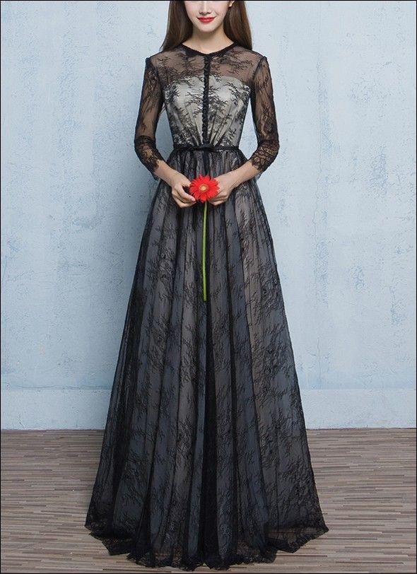 Brautkleid aus Spitze in Schwarz und Weiss