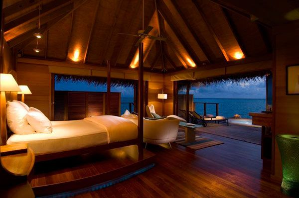 Amazing Bedroom with Panoramic Ocean View