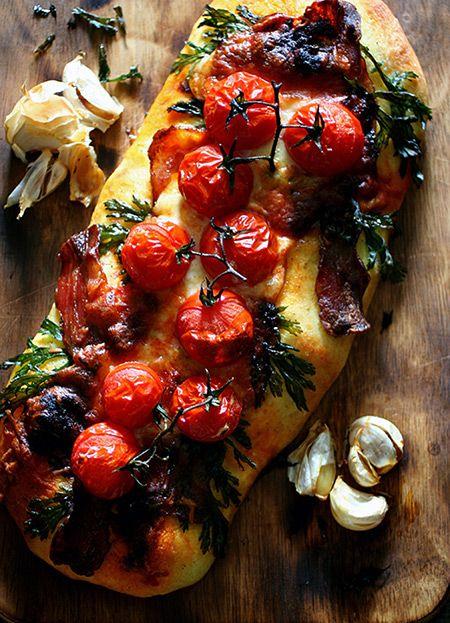Focaccia of Tomato and Bacon by recipe-blog.jp #Focaccia #Bacon #Tomato