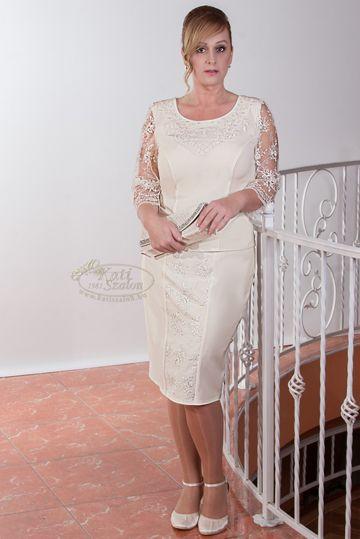 664- ekrü csipkés 2 részes alkalmi ruha polgári esküvőre is ajánljuk!