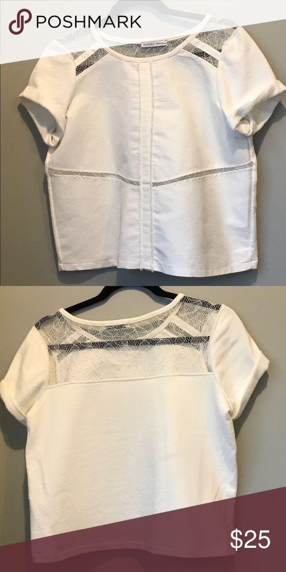 White Zara Tshirt White Zara Tshirt. worn once Zara Tops