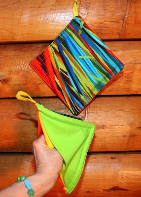 love this oven mitt potholder tutorial.  would love to sew this.  @BlueStarVermont