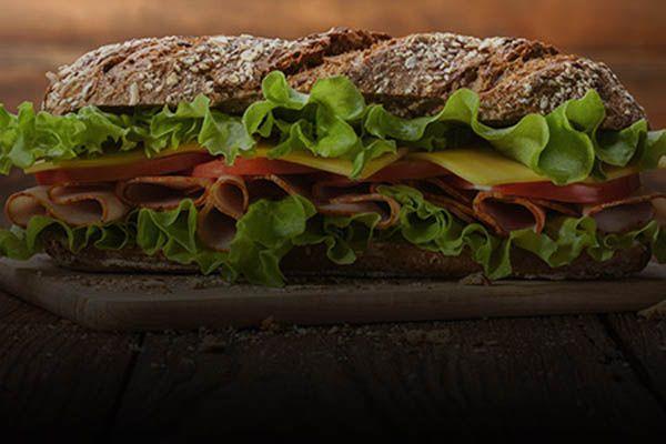 """¿Pides comida a domicilio? Este es el """"top 10"""" de los mejores restaurantes con delivery   Emol.com"""