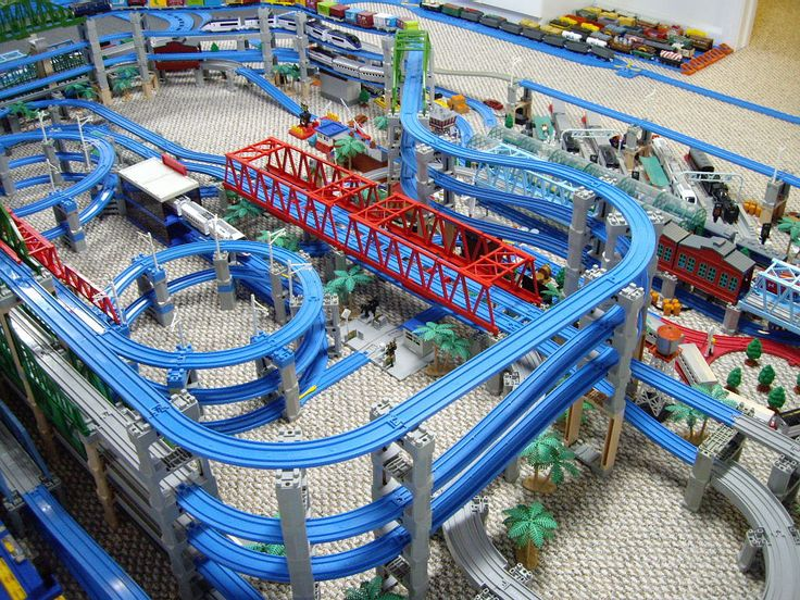 35 best images about trackmaster layouts on pinterest for House of tracks