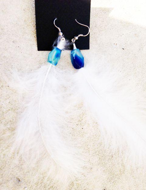 earring plume white