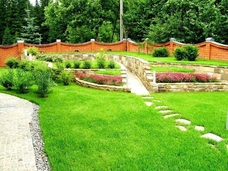 газон в частном доме