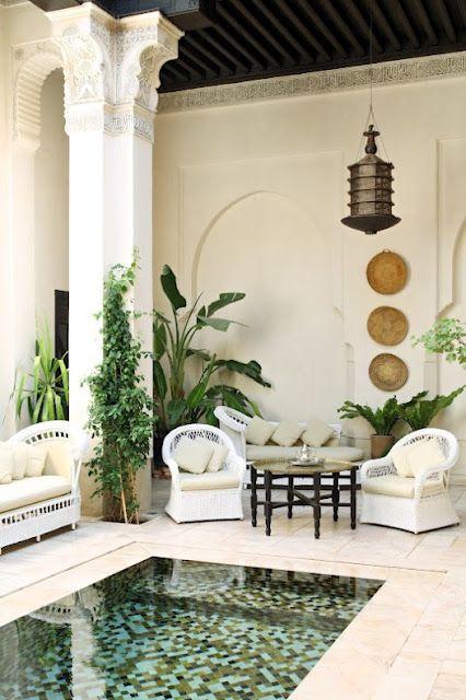 Patio al aire libre en el estilo marroquí boho, magnífico! bohemios aire libre