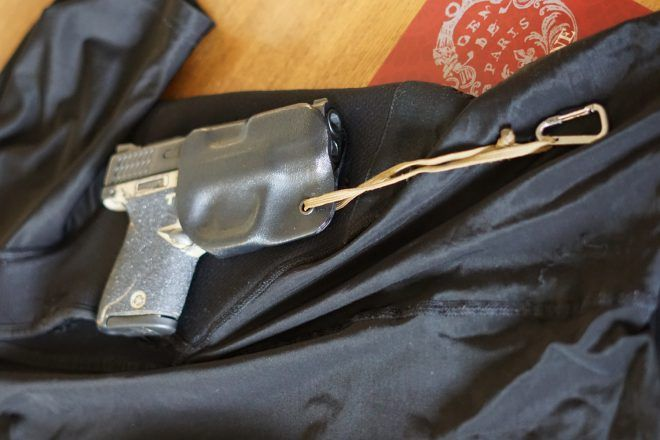 Concealed Carry Shirts: Gimmick or Worth it? - The Firearm BlogThe Firearm Blog