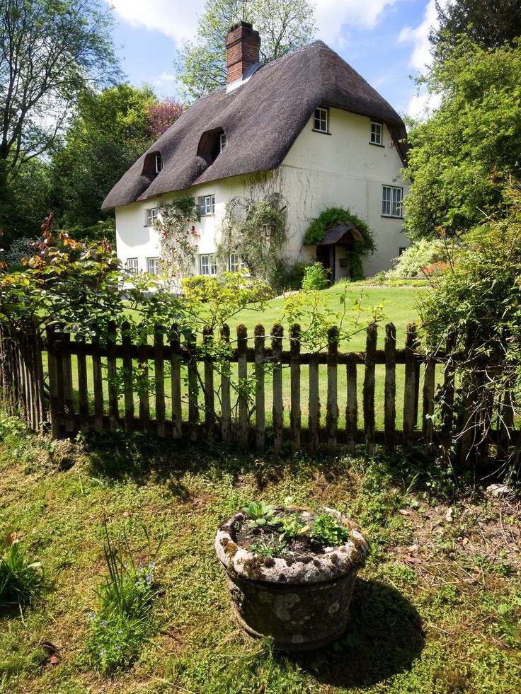 This is England - A lovely cottage tucked away in the backstreets of a Hampshire village