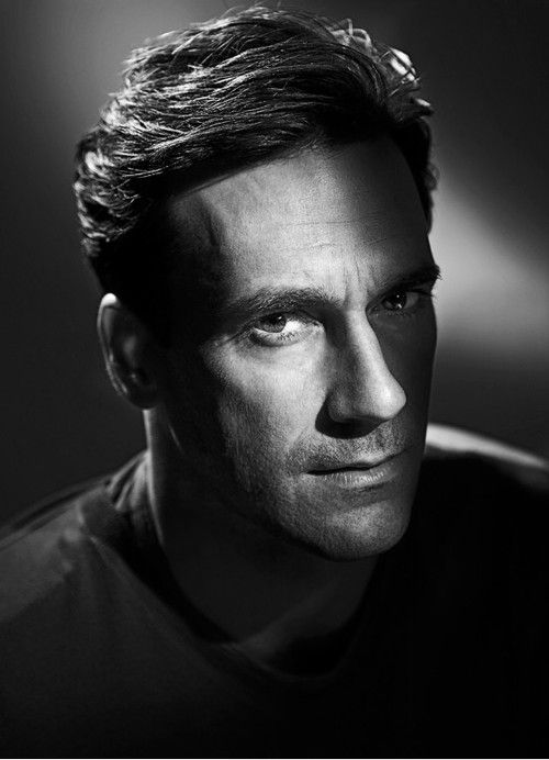 Jon Hamm es un actor estadounidense que interpreta al publicista Don Draper en la serie Mad Men