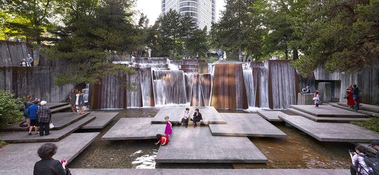 Ира Keller Forecourt фонтан, часть последовательности Portland Open Space в штате Орегон