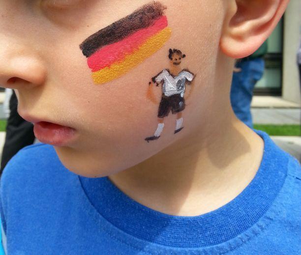Kinderprogramm: Kinderschminken, WM 2014 Deutschland Motiv