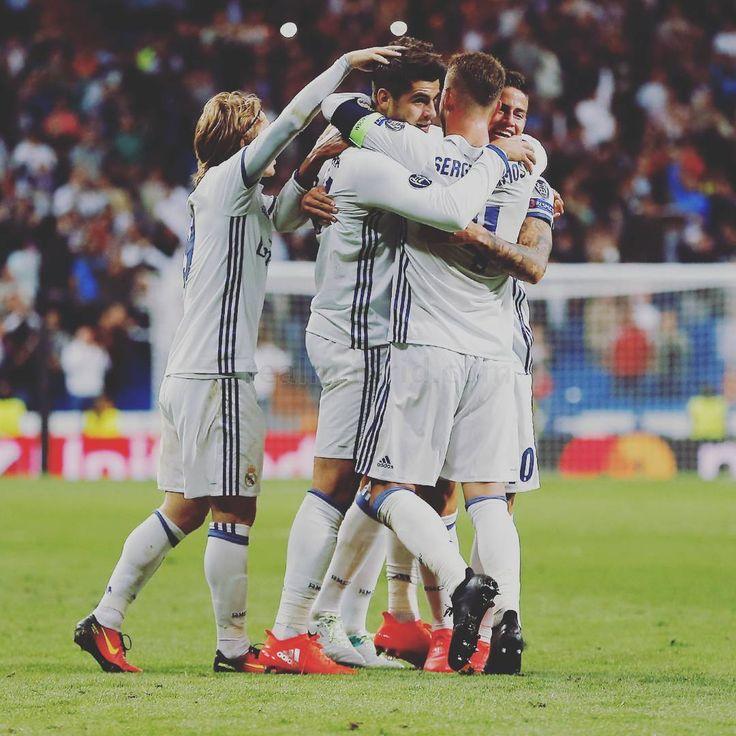 2016-09-14 22:23:41Bernabéu Copa de Europa. Noches como esta. / Bernabéu @uefachampionsleague. Nights like this.  #HalaMadrid