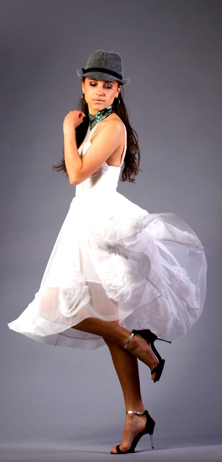 DERANGED FASHIONS: Hand sewn White Rose Race Day dress.