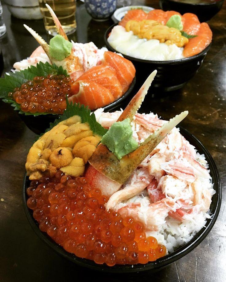 三色丼 サーモン帆立生うに蟹いくら 鮭魚帆立貝生海膽螃蟹鮭魚卵 SalmonScallopUrchinCrabSalmonRoe  北海道小樽三角市場  #生魚片 #さしみ #travel #hokkaido #sashimi #サーモン #うに #かに #ほたて #いくら #salmon #crab #scallops #鮭魚 #帆立貝 #海膽 #螃蟹