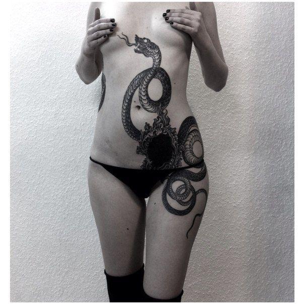 snake in the bush // ink // tattooo //