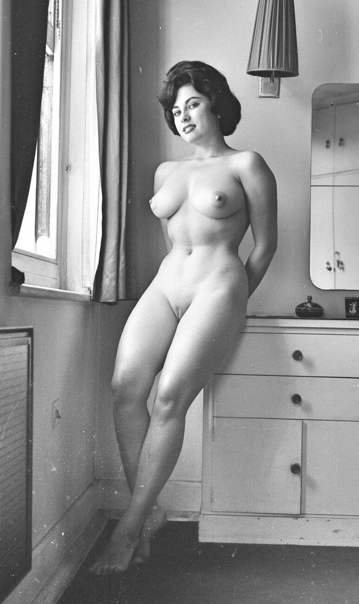 Vintage hairy nude beauties