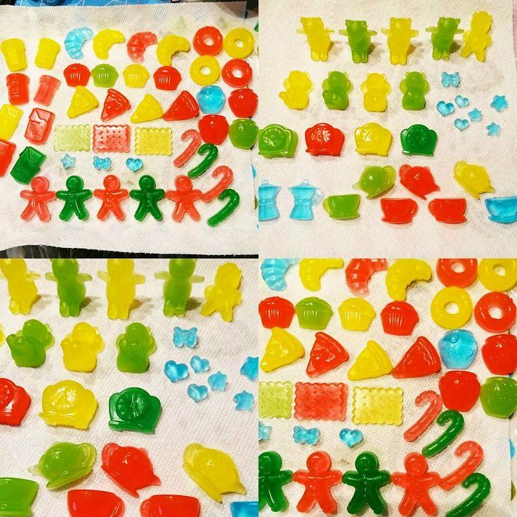 \簡単DIY/基本は溶かして固めるだけ簡単に作れる手作り石鹸を作ってみませんか?グリンセリンソープという安全な材料で作るので子供さんと一緒にDIYするのもOK!参考になる作り方動画・参考画像をまとめてみました。夏休みの工作にもおすすめです。 (3ページ目)