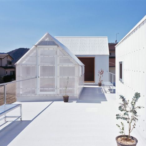 See-through roof top sheds, the insides really light and airy, take a look at the article!