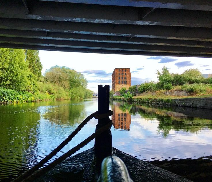 Just passing beneath the #A61 on a #barge heading towards #Stourton. In the distance is the former #Hunslet Mill. This whole area is earmarked for #regeneration by #Leeds #City #Council. #IgersLeeds #boatlife #IgersYorkshire #Yorkshire #England #IgersEngland #water #reflection #travel #tourism #tourist #leisure #life