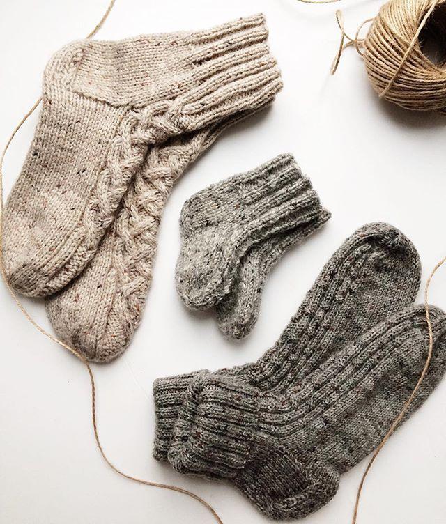 WEBSTA @ whitefox_handmade - Family look ❤️.#вязание #вязаныеаксессуары #вязаныеноски #носки #москва #шерсть #осень2016 #хендмейд #knitting #knittersofinstagram #knitting_inspiration #knitwear #handmade #handmadewithlove #familylook #socksknitting