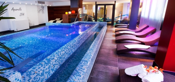 Spa, perfecto para desconectar y relajarse. Incluye: Fuente de hielo, Baño turco, Sauna seca, Ducha de masaje, Gimnasio...