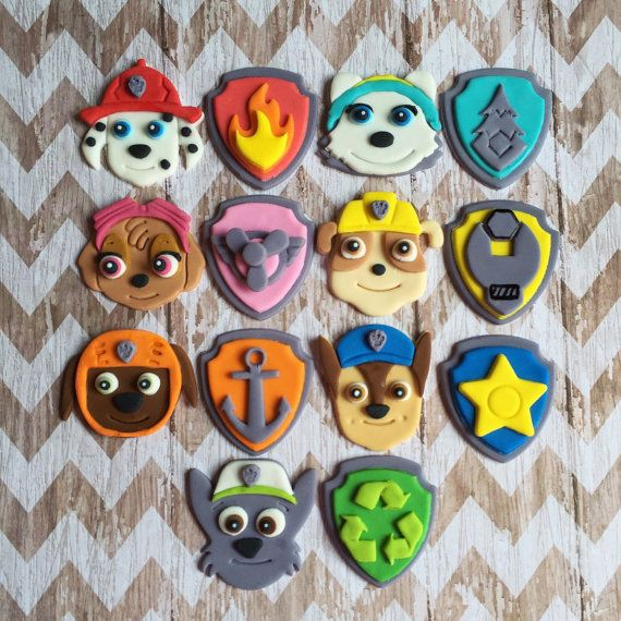 Fondant Paw Patrol cupcake toppers chiots ou bouclier badges