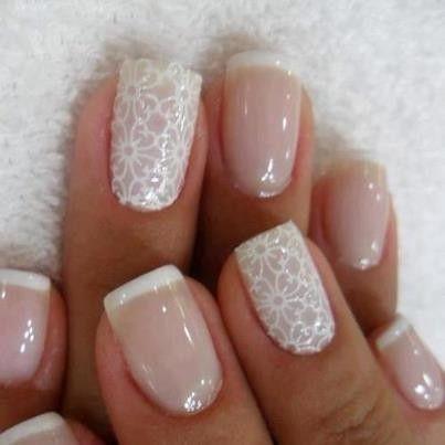 Nail art nude look