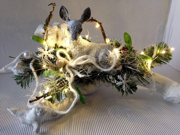 weihnachtsdeko reh im wald deko weiss silber ein designerst ck von gittirai bei dawanda. Black Bedroom Furniture Sets. Home Design Ideas