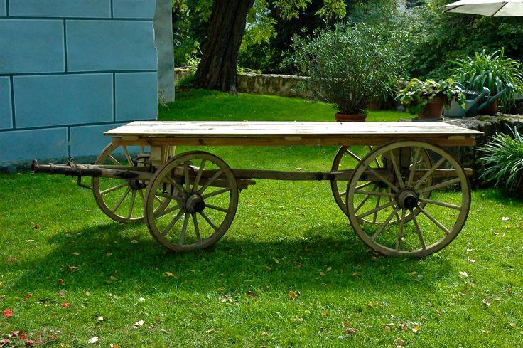Holzwagen, Leiterwagen, Candy Cart. Eventdekoration Wiesent bietet hochwertigen Dekoverleih in München und der Umgebung für alle Anlässe und Events.
