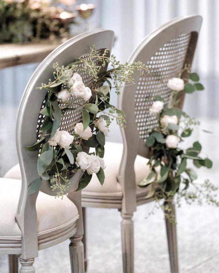 Classic beauty!! Photo, florals and event design by @cristina_macedo_aqueduto