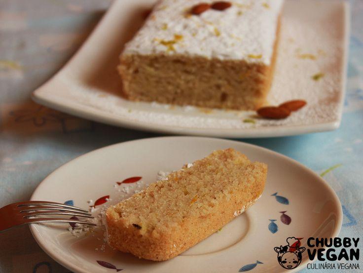 Esse bolo tem o sabor leve e delicado das frutas cítricas, amêndoas e baunilha. Perfeito com chá ou café!