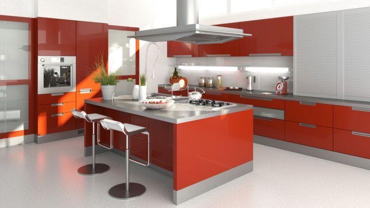 Atemberaubende große rote moderne Küche mit Insel und weißen Boden ...