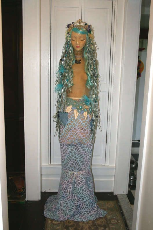Modernized Mermaid Costumes - This Mermaid Costume is Extravagant and Detail-Orientated (GALLERY)