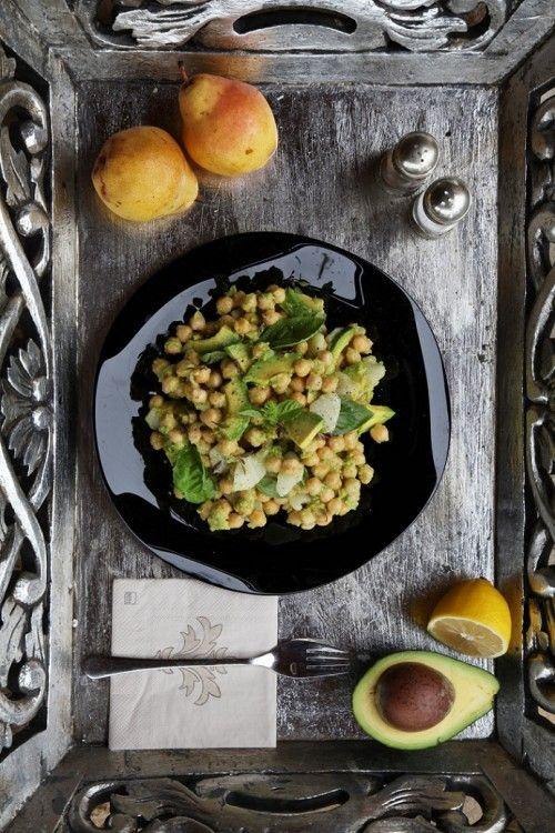 Avokádós-körtés csicseriborsó-saláta