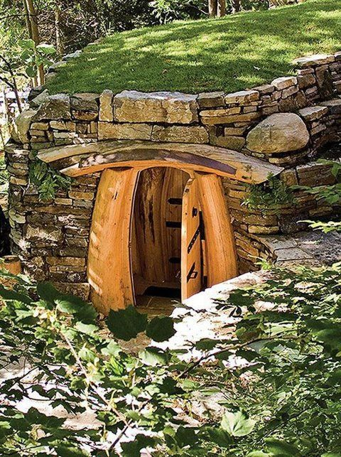 Okay Jake....pleeease! Absolutely Gorgeous Root Cellar!! Never thought I would wish for a higher hill than I already have just so I can have a root cellar like this one... :)