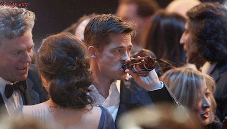 Brad Pitt přestal pít a Angelina Jolie zastavila rozvod!