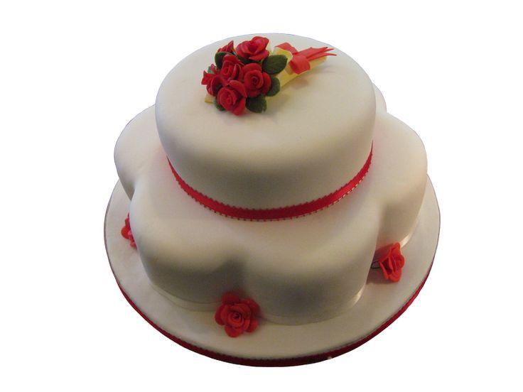Bouquet of Roses  #sugarflowers #sugarart #sugarcraft #cakeart #cakedecorating #sugarflower #cakeartist #sugarpaste #sugarartist #gumpaste
