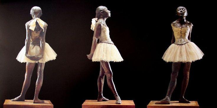 """EDGAR DEGAS (1834-1917) GRANDE BALLERINA VESTITA  Degas , a partire dal 1881, si dedicò anche alla scultura, lo fece solo a livello di esercitazione affinché, con un maggiore studio delle forme e degli atteggiamenti, la sua pittura potesse risultare ancora migliore. Un grande realismo è in questa ballerina di 14 anni, eseguita in bronzo, vestita con un """"tutù"""" di tulle bianchi e un grande fiocco di raso fra i capelli. #art #scultura #Degas #history"""