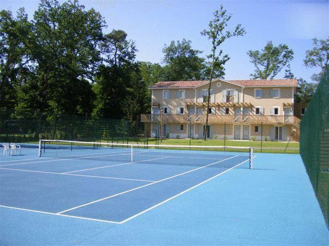 Booking.com: Aparthotel domaine du Golf d albret - Barbaste, Frankrijk