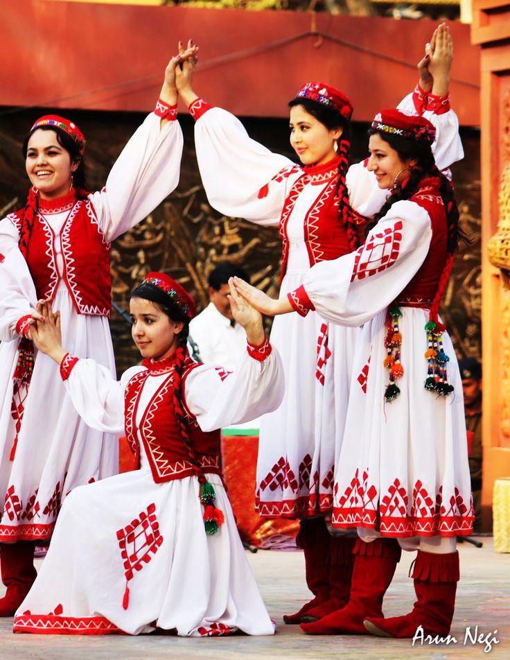 Tajik dancers