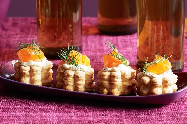 Enjoy the weekend with these classic cream cheese and smoked salmon mini vol au vents.