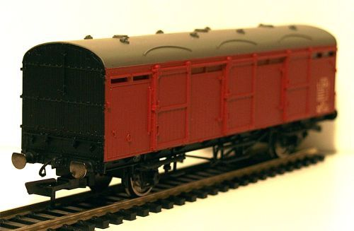 Hornby R6683   BR (LNER) Extra Long CCT Van A  E1341E