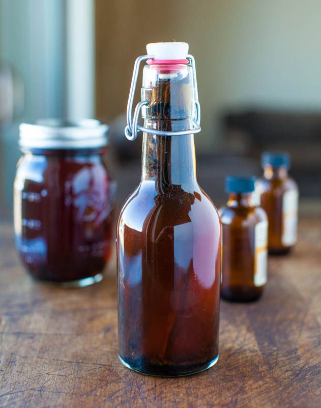 Homemade Vanilla Extract - Nearly work-free, full of flavor & you'll save so much money! Start a batch now & it'll be ready for holiday gifts! Easy method at averiecooks.com