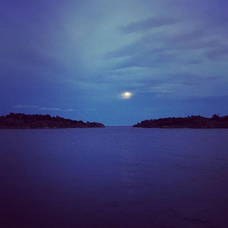 #risør #moon #norway #risor #blue